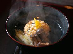 日本料理の人気店『賛否両論』の元料理長が独立、東京・自由が丘に本格日本料理の店『レキシノイチブ』をオープンしました。農家の実家で育った店主の目利きと名店の技が光る日本料理をぜひ♪ Cabbage, Dressing, Vegetables, Ethnic Recipes, Food, Essen, Cabbages, Vegetable Recipes, Meals