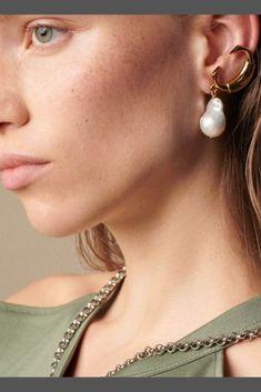 | Chunky Sterling Silver Posts| Dainty Elegant Asymmetric baroque pearl dangle earrings| Water shape earrings