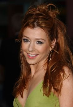 Alyson Hannigan Messy Half Up Half Down Hairstyle - Hairstyles Weekly Down Hairstyles For Long Hair, Wedding Hairstyles Half Up Half Down, Half Up Half Down Hair, Trending Hairstyles, Latest Hairstyles, Bride Hairstyles, Hairdos, 1930s Hairstyles, Updo Hairstyle