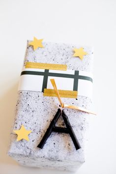 5 Special Spring Gift Wrap Ideas Gift Wraping, Creative Gift Wrapping, Gift Wrapping Paper, Creative Gifts, Wrapping Ideas, Wrapping Presents, Christmas Gift Tags, Christmas Wrapping, Merry Christmas