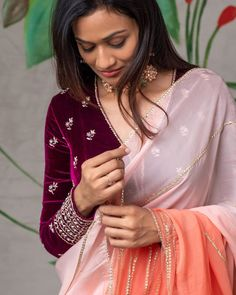 Saree Blouse Neck Designs, Fancy Blouse Designs, Blouse Designs Catalogue, Stylish Blouse Design, Saree Trends, Stylish Sarees, Elegant Saree, Saree Look, Indian Designer Wear