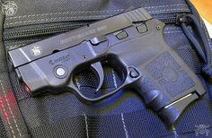 Manufacturer: Smith & Wesson Mod. Bodyguard Type - Tipo: Pistol Caliber - Calibre: 380 ACP Capacity - Capacidade: 6 Shot Barrel length - Comp.Cano: 2.75 Weight - Peso: 11.85...