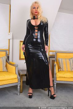 Vanessa Montagne : en robe longue latex / in latex gown - Fetish Sm Glamour - Fetish-Sm-Glamour.com
