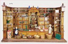 shop, furnished like a cake shop, Wilhelmine era, 71 cm