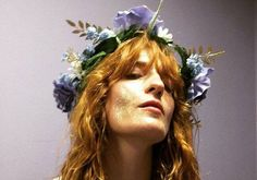 awesome Florence Welch is a full-time witch, forest nymph, local weather change activist and frontwoman to & + the Machine& And her vogue. Kari Jobe, Sara Bareilles, Pentatonix, Lollapalooza, Style Florence Welch, Coachella, Florence Welsh, Glitter Face, Open Air