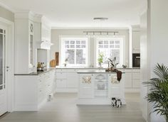 sigdal kjøkken – Google Søk New Kitchen Inspiration, Kitchen Dining, Dining Room, Home Kitchens, House Ideas, New Homes, Interior Design, Dom, Home Decor