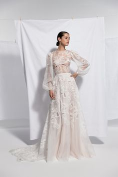 Daalarna 2020 Rhapsody Collection available exclusively at Spina Bride, NYC. Couture Wedding Gowns, Wedding Dress Trends, Dream Wedding Dresses, Bridal Dresses, Bridal Collection, Dress Collection, Costume, Dream Dress, Ideias Fashion