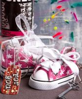 Oh-so-cute pink star print baby sneaker key chain - Detailed item view - www.weddingfavourswholesale.co.uk