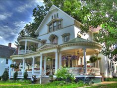 Victorian Architecture--the porches are magnificent! Architecture Design, Victorian Architecture, Beautiful Architecture, Beautiful Buildings, Classical Architecture, Architecture Office, This Old House, My House, House Porch