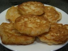 These are delicious Amish onion fritters that I have made many times! This batter would also be great for onion rings! Its so light and crisp! I found this on GroupRecipes and it was posted by a member named The photo is my own. Amish Onion Patties Recipe, Vegetable Dishes, Vegetable Recipes, Side Dish Recipes, Side Dishes, Fried Cornbread, Food To Make, The Best, Food And Drink