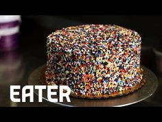 How to Frost a Cake Like a Pro