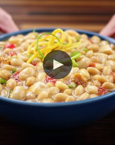 Make tonight chili night! BUSH'S® White Chili Beans are simmered in our flavorful chili sauce to make this easy recipe a family favorite.