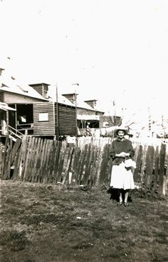 Backyards of houses on Brisbane Street, West Ipswich, mid 1950s