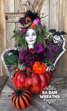 I L💜VE Halloween. can ya tell? This big beauty is on her way to the Ba Bam Fam Halloween Bash. Adornos Halloween, Halloween Trees, Halloween Porch, Halloween Projects, Diy Halloween Decorations, Holidays Halloween, Scary Halloween, Halloween Pumpkins, Ghost Decoration