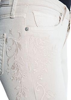 Embroidered super slim-fit jeans | MANGO