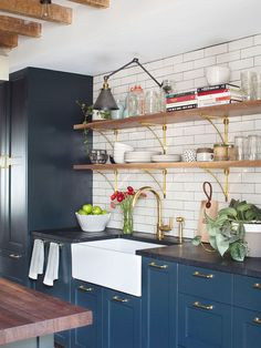 10 Appealing Clever Hacks: Old Farmhouse Kitchen Remodel ikea kitchen remodel crown moldings. Ikea Kitchen, Rustic Kitchen, Kitchen Interior, Kitchen Dining, Kitchen Decor, Kitchen Shelves, Gold Kitchen, Kitchen Industrial, Apartment Kitchen