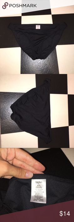 """XL black bikini bottoms XL. About 32"""" around waist band! Worn once or twice, has been washed! Sides are slightly ruched style and not very cheeky bottoms. Mossimo Supply Co Swim Bikinis"""