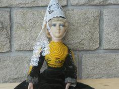 poupée de salon ou boudoir ancienne costume folklorique année 1935 - H.70CM