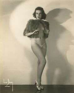 Vintage burlesque performer Betty Miller
