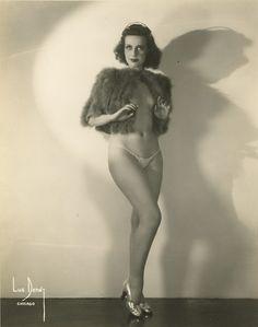 Vintage burlesque performer Betty Miller