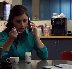 Marie neemt tijd voor een vieruurtje met een yoghurt van Pur Natur!
