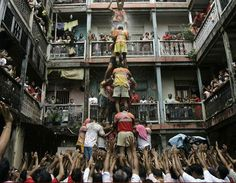 Govinda ala re...ala! human-pyramid