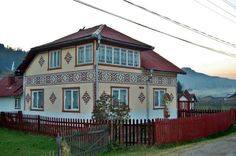 The Ornated Houses from Ciocanesti - Informatii Romania Bani Pe Net, Places To See, Portal, Ale, Mansions, House Styles, Home Decor, Amazing, Holiday