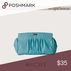 Miche classic she'll This is a pull on shell.  Which means you get pockets at the ends. Miche Bags Mini Bags