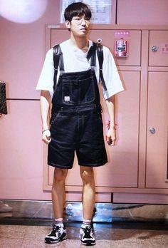 Boo Seungkwan, Won Woo, Seventeen Wonwoo, Seventeen Wallpapers, Meanie, Jeonghan, Overall Shorts, Overalls, Handsome