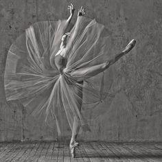 Ana Turazashvili (Bolshoi Ballet Photo © Alexander Yakovle