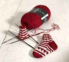 BabySoxx- BabySoxx – stine-und-stitch's website! Diy Furniture Videos, Diy Furniture Table, Diy Furniture Plans, Debbie Macomber, Stine Und Stitch, Diy Clothes Videos, Clothing Hacks, Knitting For Beginners, Beginners Sewing