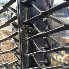 Garde Corps Metal, Metal Facade, Cc Images, Expanded Metal, Architecture, Utility Pole, Fence, Mesh, Fixation