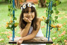 Fotografia de criança, book de criança, Menino, menina, ensaio infantil, book infantil, fotografia com fantasias, fantasia, brincadeiras de criança,fotógrafa de criança, ar livre, foto externa, externa,balanço , parque, fotos no parque, Nilda Brandão