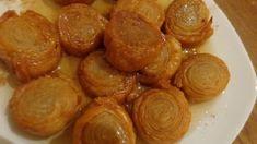 ΓΛΥΚΑ Archives - Page 5 of 25 - Igastronomie. Greek Sweets, Greek Beauty, Pretzel Bites, Sweet Recipes, Almond, Deserts, Bread, Baking, Food