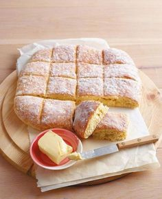 Schnelle Quarkbrötchen A hit for every Easter brunch: simple and sensational! Quick Bread Recipes, Baking Recipes, Sweet Recipes, Quark Recipes, Brunch Recipes, Breakfast Recipes, Snacks Recipes, Pasta Recipes, Good Food
