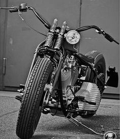 Harley Davidson Events Is for All Harley Davidson Events Happening All Over The world Softail Bobber, Bobber Bikes, Harley Bobber, Bobber Motorcycle, Bobber Chopper, Cool Motorcycles, Motorcycle Style, Vintage Motorcycles, Triumph Chopper