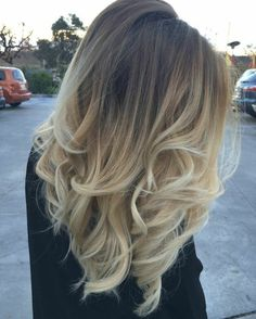 Here's Every Last Bit of Balayage Blonde Hair Color Inspiration You Need. balayage is a freehand painting technique, usually focusing on the top layer of hair, resulting in a more natural and dimensional approach to highlighting. Balayage Blond, Blond Ombre, Brown Blonde Hair, Light Brown Hair, Ombre Brown, Light Blonde, Balayage Hairstyle, Balayage Highlights, Red Ombre