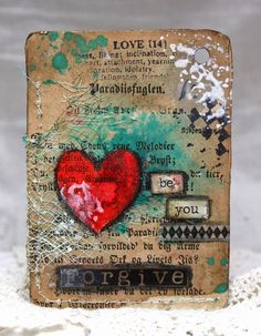 I pinned almost this entire series.  These ATCs are so eclectic with so much texture and visual appeal that i couldn't pass them up.  This is inspiration at it's very best.  Thank you to Anne's paper fun: 52 Card Pickup