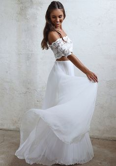 Two-piece Wedding Dress | Grace Loves Lace | http://trib.al/VmbXvwC