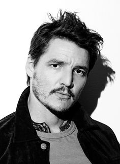 Pedro Pascal photographed by Randall Mesdon for At Large magazine                                                                                                                                                     Más