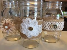 DIY decorated mason jars.