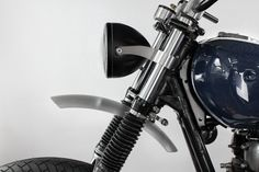 Whether off-road or on-road, this fender by Two Hands Motorcycles is the perfect custom part for any Yamaha SR400 Scrambler-custom build.