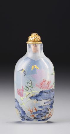 AN ENAMELLED GLASS 'HIBISCUS AND BUTTERFLIES' SNUFF BOTTLE<br>QING DYNASTY, QIANLONG PERIOD | lot | Sotheby's