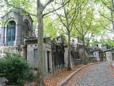 * Père Lachaise Cemetery * Paris, França.