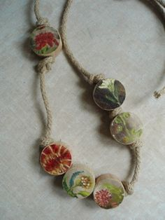 wooden beads Salvaged Decor, Repurposed, Jewelry Ideas, Diy Jewelry, Paper Beads, Recycled Materials, Wooden Beads, Upcycle, Crochet Necklace