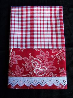 Decorated with a gorgeous rose print designer fabric and trimmed with some fancy brodiere anglaise lace. Pretty but practical. Dish Towel Crafts, Dish Towels, Fabric Crafts, Sewing Crafts, Sewing Projects, Embroidery Transfers, Embroidery Designs, Machine Embroidery, White Tea Towels