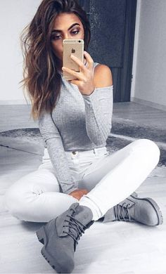 #winter #fashion / Grey Top / White Skinny Jeans / Grey Boots