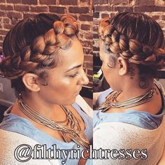 STYLIST FEATURE| Gorgeous #HaloBraid done by #AtlantaStylist @FilthyRichTresses Such a cute protective style #VoiceOfHair ========================= Go to VoiceOfHair.com ========================= Find hairstyles and hair tips! =========================