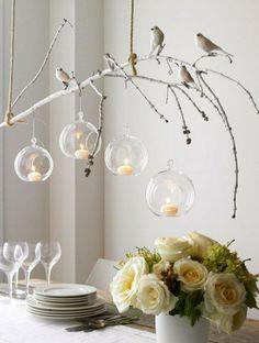 ....Wat een inspiratie!...... takje... vogeltjes... mooi bloemen... mooi service... maak het gezellig boven de eettafel met takken en vogels SMAKELIJK....