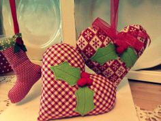 Sew a little love: Christmas hearts...